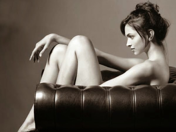 deepika padukone topless photo