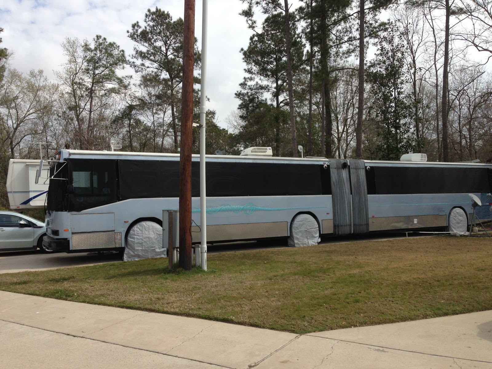 Free Rosey Willy RV Travel Slinky A Bus Conversion