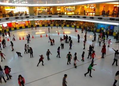 Info Hiburan di Jakarta, Bermain Ice Skating Murah di Sky Rink Mall Taman Anggrek