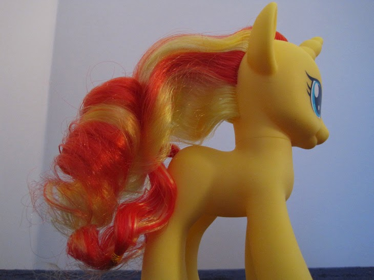 Cutie Mark Magic Fashion Style Sunset Shimmer without outfit, off side.