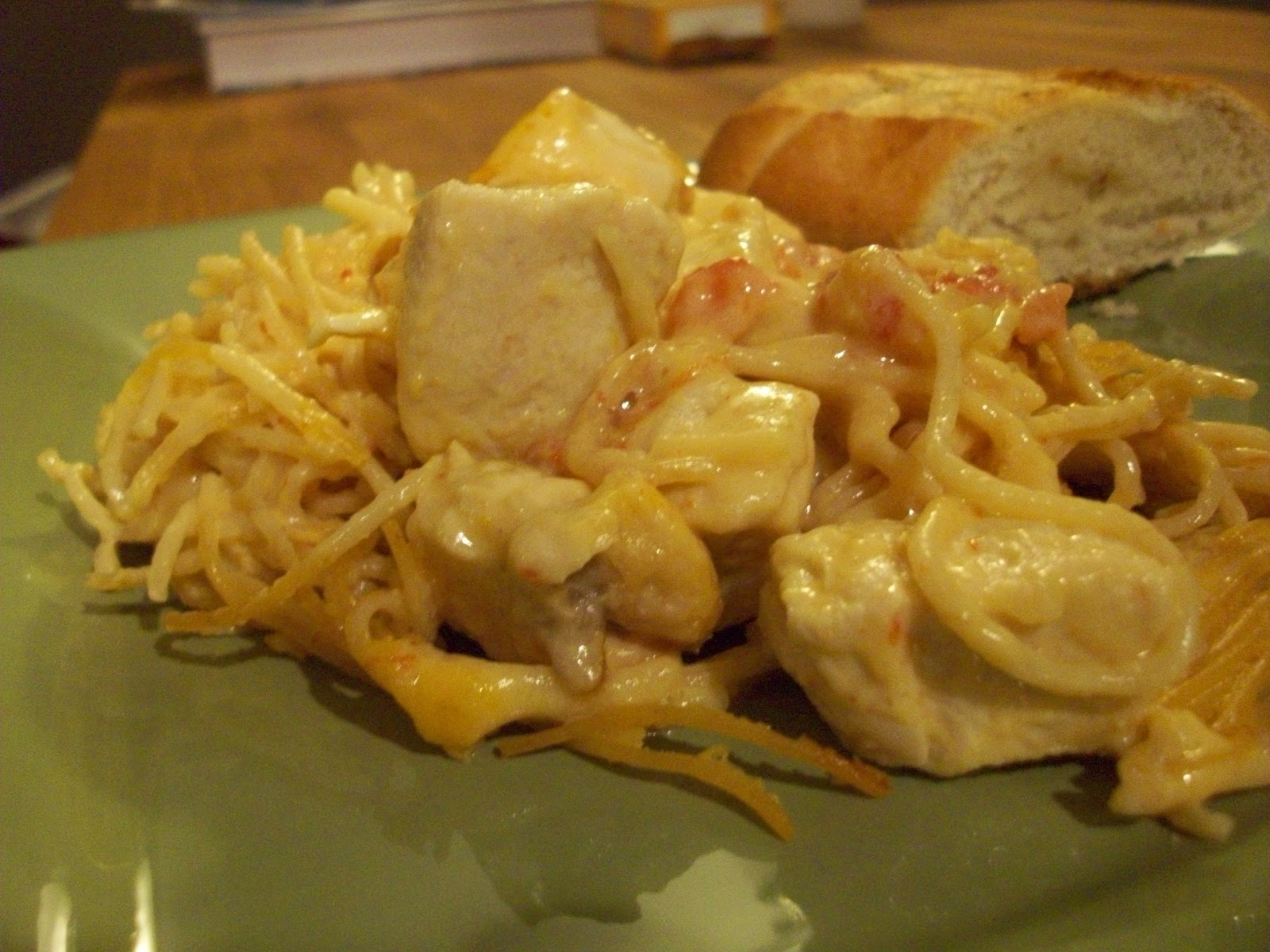 Diary of the Unexpected Housewife: Rotel Chicken Spaghetti