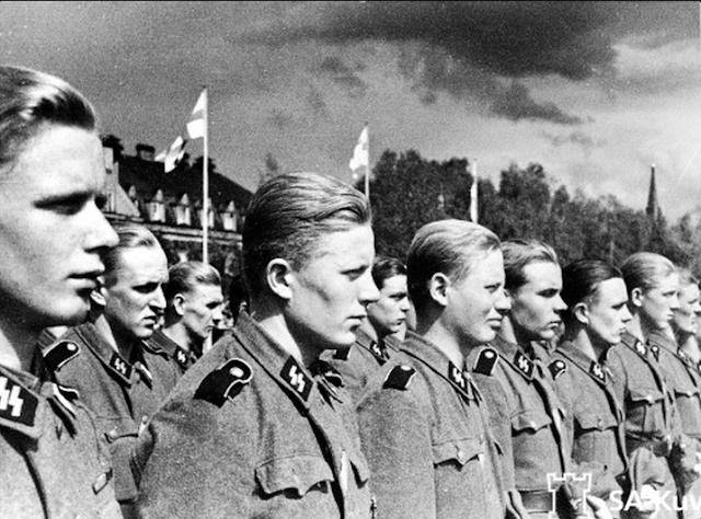 "Finnisches Freiwilligen-Bataillon der Waffen-SS (5. SS-Panzer-Division ""Wiking"") in Tampere 6.3.1943.PNG"