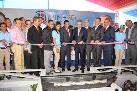 Presidente dominicano Danilo Medina inaugura en provincia La Vega seis escuelas con ochenta y siete aulas
