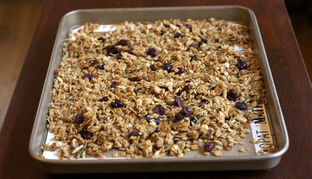 Maple Granola: simplelivingeating.com