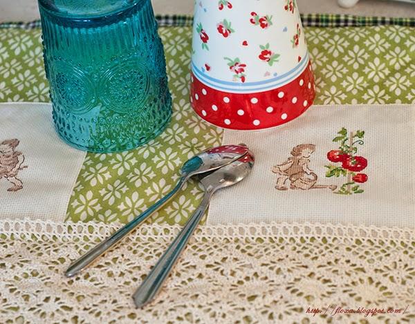 коврик для сушки посуды, Dans mon jardin,  V. Enginger, Вероник Ажинер, мой сад, вышивка девочка с томатами, вышивка мальчик с возом редиски, коврик для сушки посуды, мат для посуды, шитье и вышивка, кухонные аксессуары, кухонный тестиль своими руками, уют в доме своими руками, текстиль для кухни