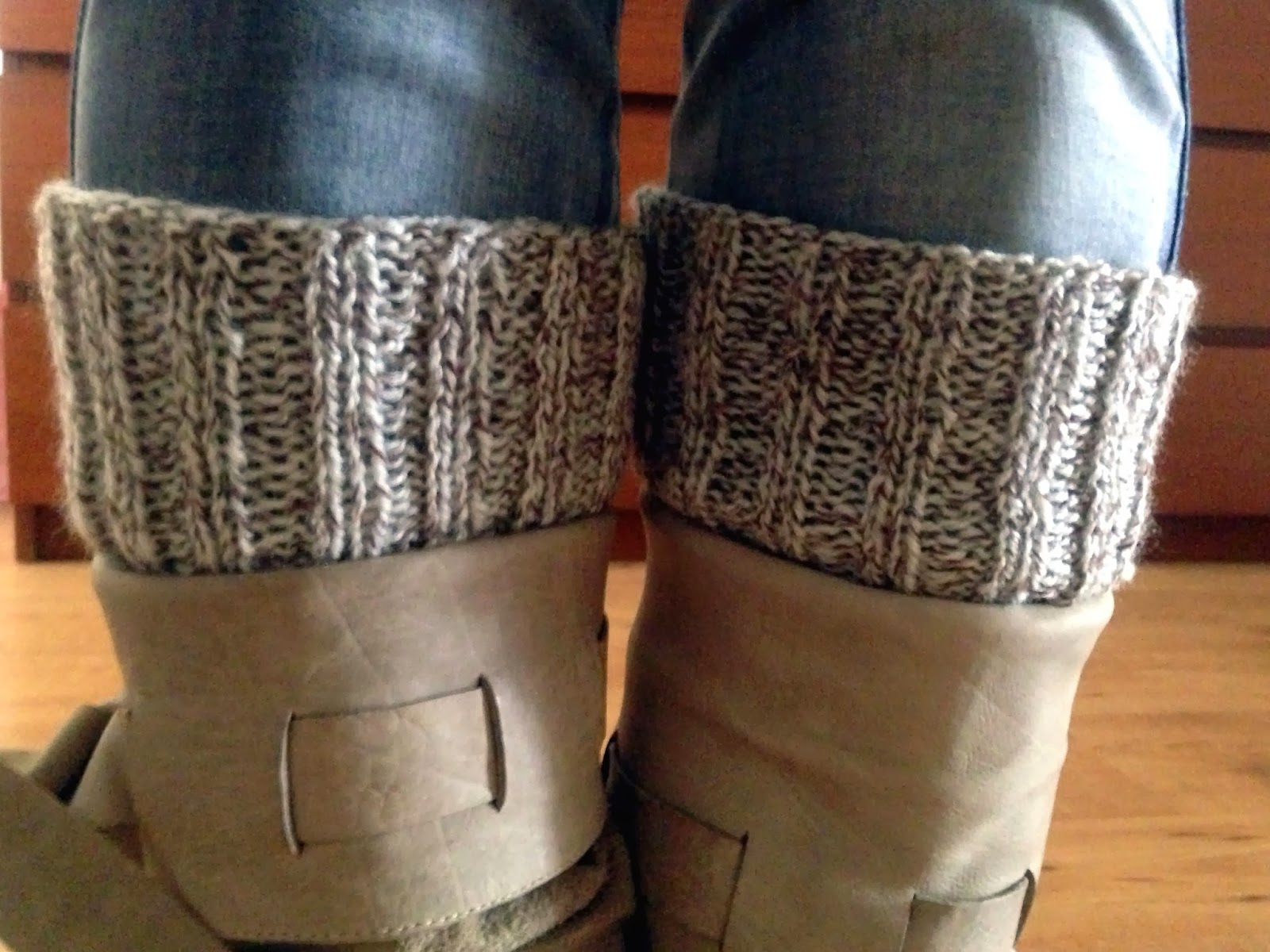 Lily Gets Crafty: Easiest boot cuffs!
