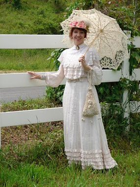 Victoriana Lady At Hillside Farms Spring Event