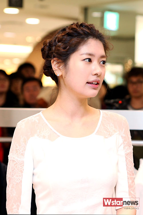 Jung So Min (정소민) at 'LIE(라이)' Store Launch Event [February