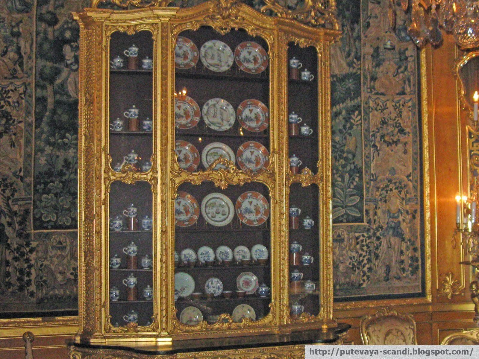 An elegant dresser