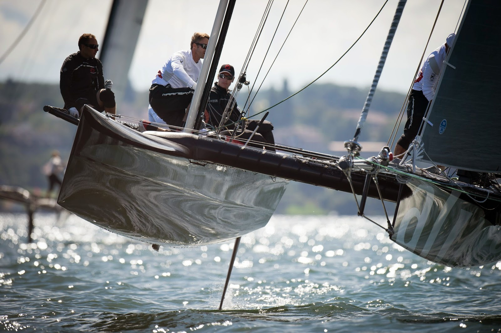 Alinghi remporte l'Open Nationale Suisse du Vulcain Trophy.