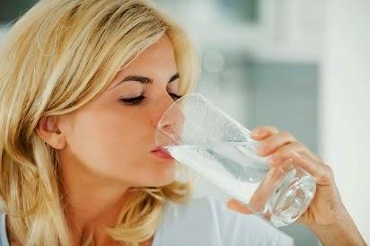 Manfaat Air Putih Yang Diminum Saat Pagi Hari,