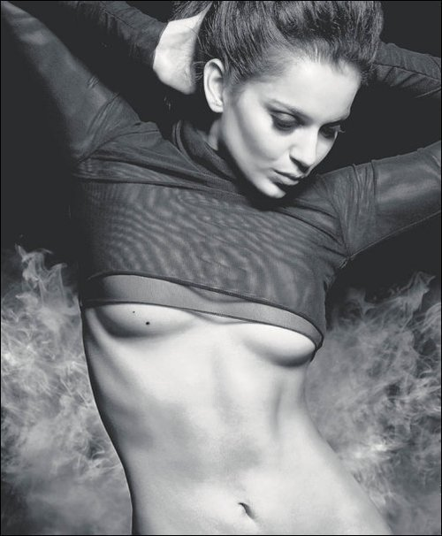 cora skinner hot_11. kangana ranaut breast gain