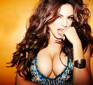 Kelly Brook en Nuts