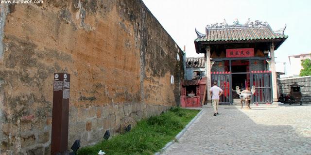 Templo Na Tcha al lado de la muralla de Macao