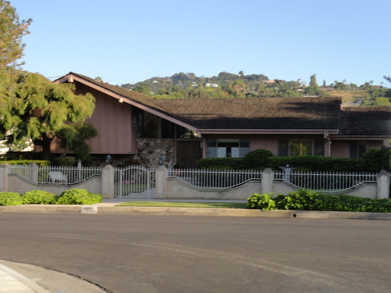 The brady bunch house the image kid has it for Real house