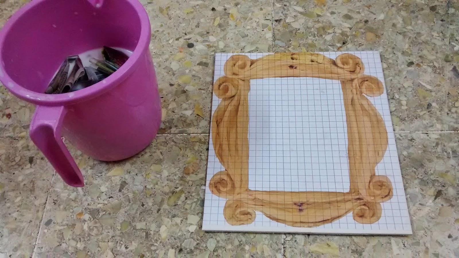 Famous Friends Picture Frame Peephole Picture Collection - Ideas de ...