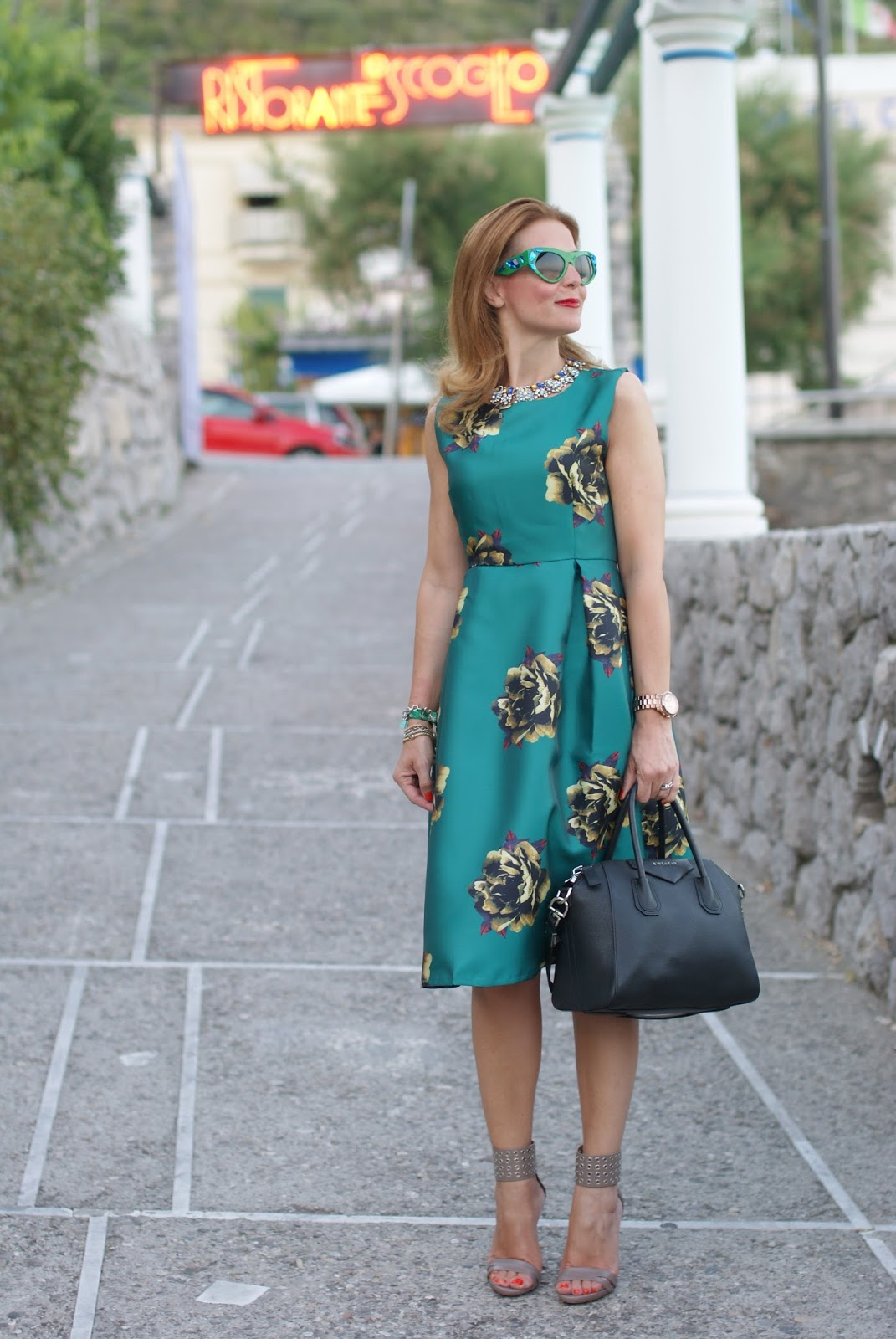Choies green midi dress and Prada Voice sunglasses found on Giarre on Fashion and Cookies fashion blog, fashion blogger style