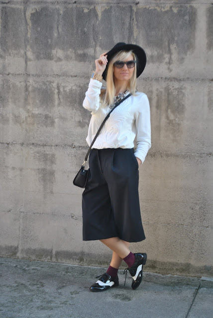 pantaloni culotte come abbinare i pantaloni culotte abbinamenti pantaloni culotte outfit pantaloni culotte idee abbinamenti pantaloni culotte idee outfit pantaloni culotte how to wear culotte pants how to combine culotte pants how to match culotte pants con che scarpe abbinare i panta culotte with what shoes wears culotte pants street style culotte pants street style panta culotte tendenze inverno 2016 winter trends mariafelicia magno fashion blogger colorblock by felym fashion blog italiani fashion blogger italiane blog di moda blogger italiane di moda fashion blogger bergamo fashion blogger milano fashion bloggers italy italian fashion bloggers influencer italiane italian influencer