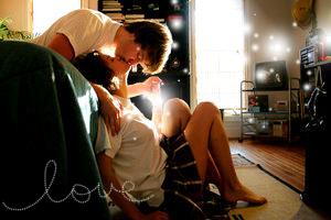 http://1.bp.blogspot.com/-43XCxsAkNuo/Tn-VGqkx7pI/AAAAAAAAAH4/o10SCbqQPGM/s1600/kissing-1.png