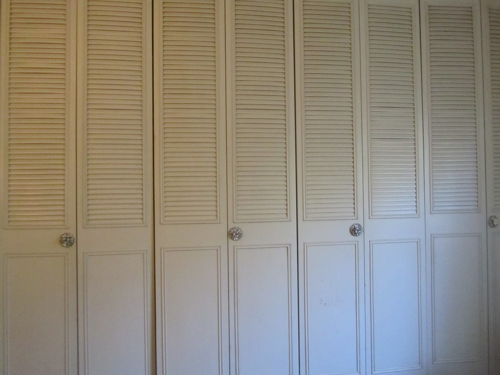 Sliding wardrobe cabinets high quality home design for Wall closet door ideas