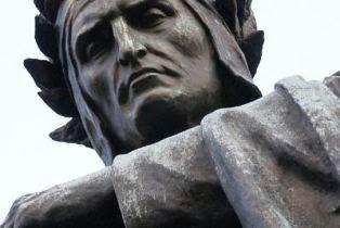 foto statua dante alighieri