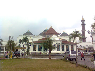 photo masjid agung palembang