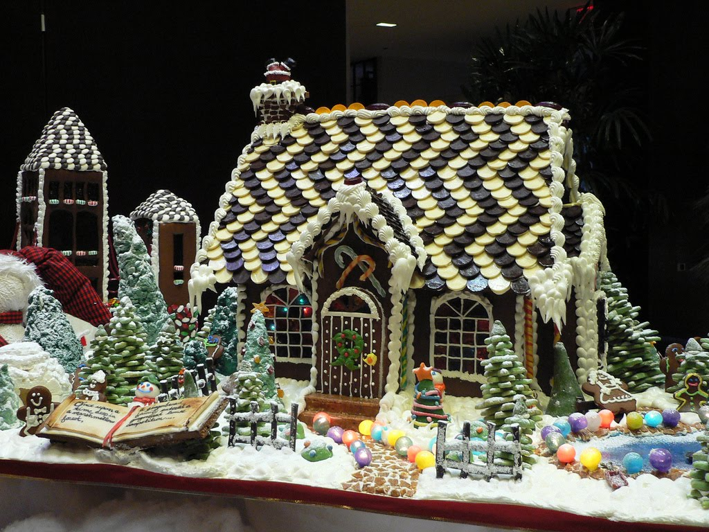 Simply creative amazing gingerbread house Cool christmas house decorations