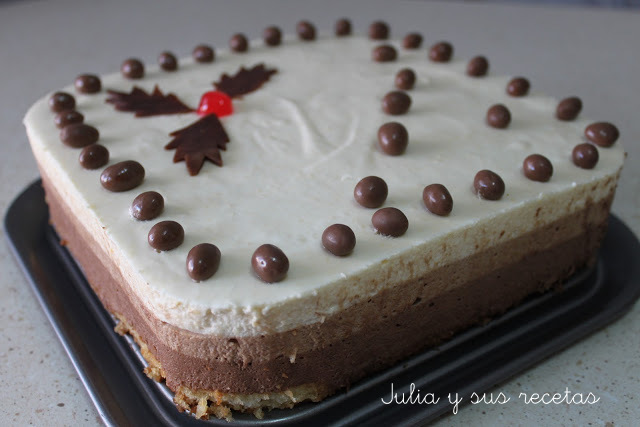 TARTA MOUSSE DE 3 CHOCOLATES