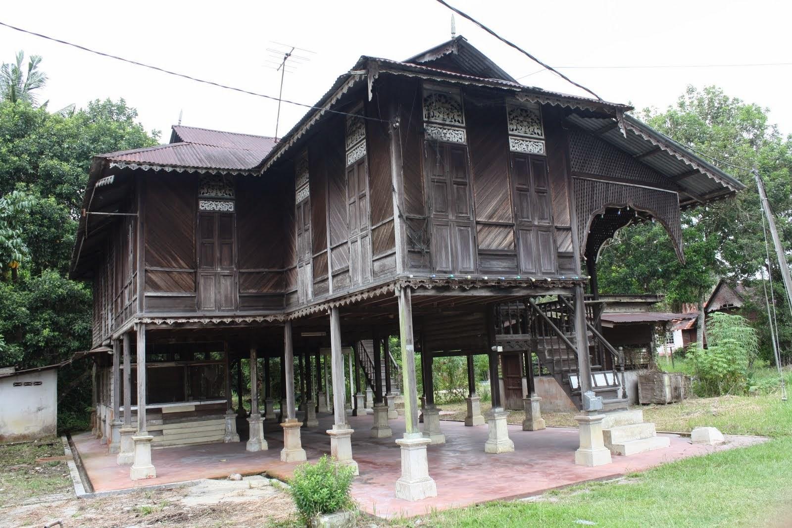 Unique dwelling places rumah melayu treasury notes for Unique dwellings