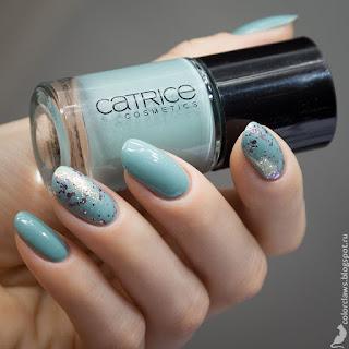Catrice #56 Minter Wonderland + Sally Hansen Glitter Bomb
