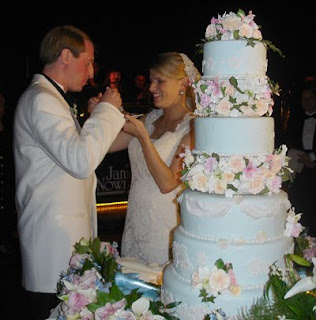 wedding cakes,one tier wedding cakes,tiered wedding cake,tier wedding cake stand,wedding cake