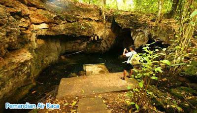 Tempat Pemandian Air Kaca Di Pulau Morotai