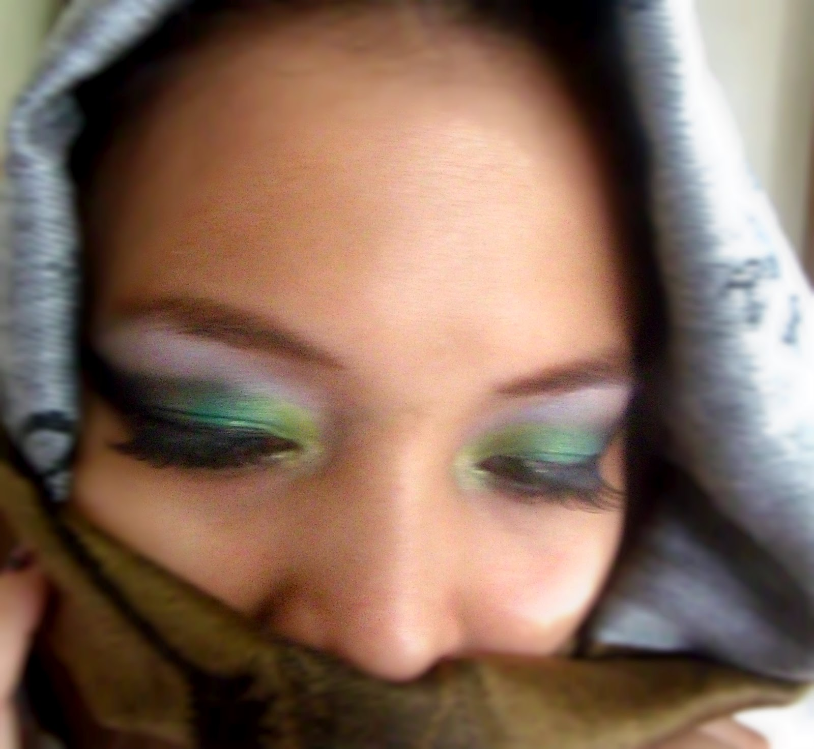 http://1.bp.blogspot.com/-44Yk2ocV_TU/UG1R9ny1g3I/AAAAAAAAA14/i_Db-_WKDk0/s1600/Arab+eyes+4.jpg