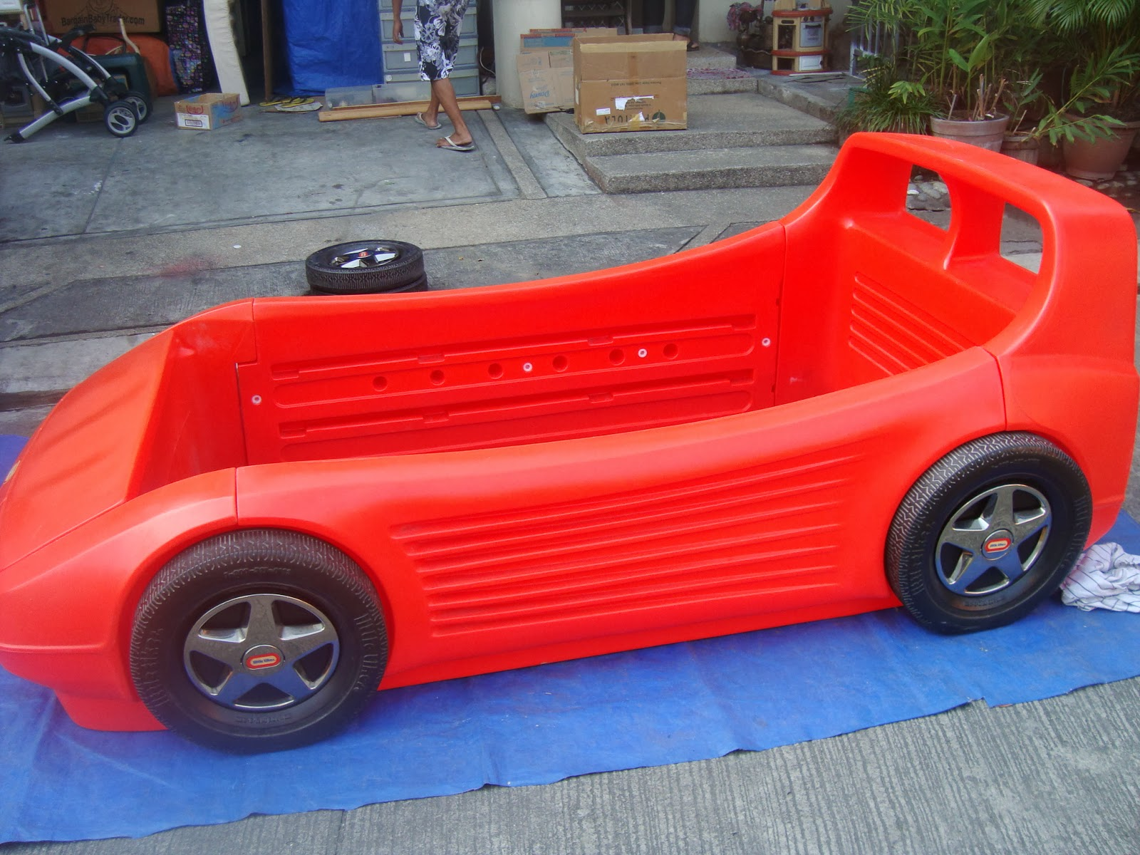 SM RETAILS 48 000P IM JUST SELLING USED BY MY SON FOR SALE NA HEHHEH ITS. Little Tikes Red Race Car Bed Twin Size
