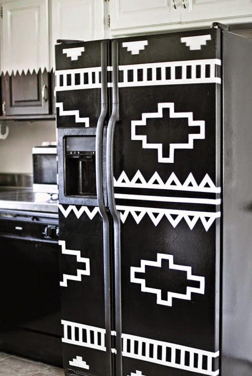 S tapetou na chladničku