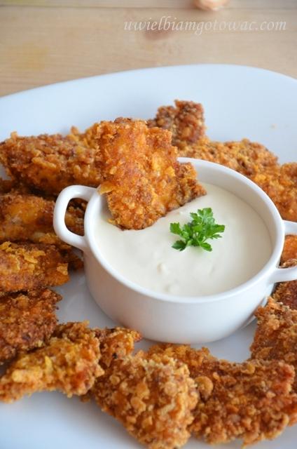 Chrupiące nugettsy z kurczaka w cornflakes