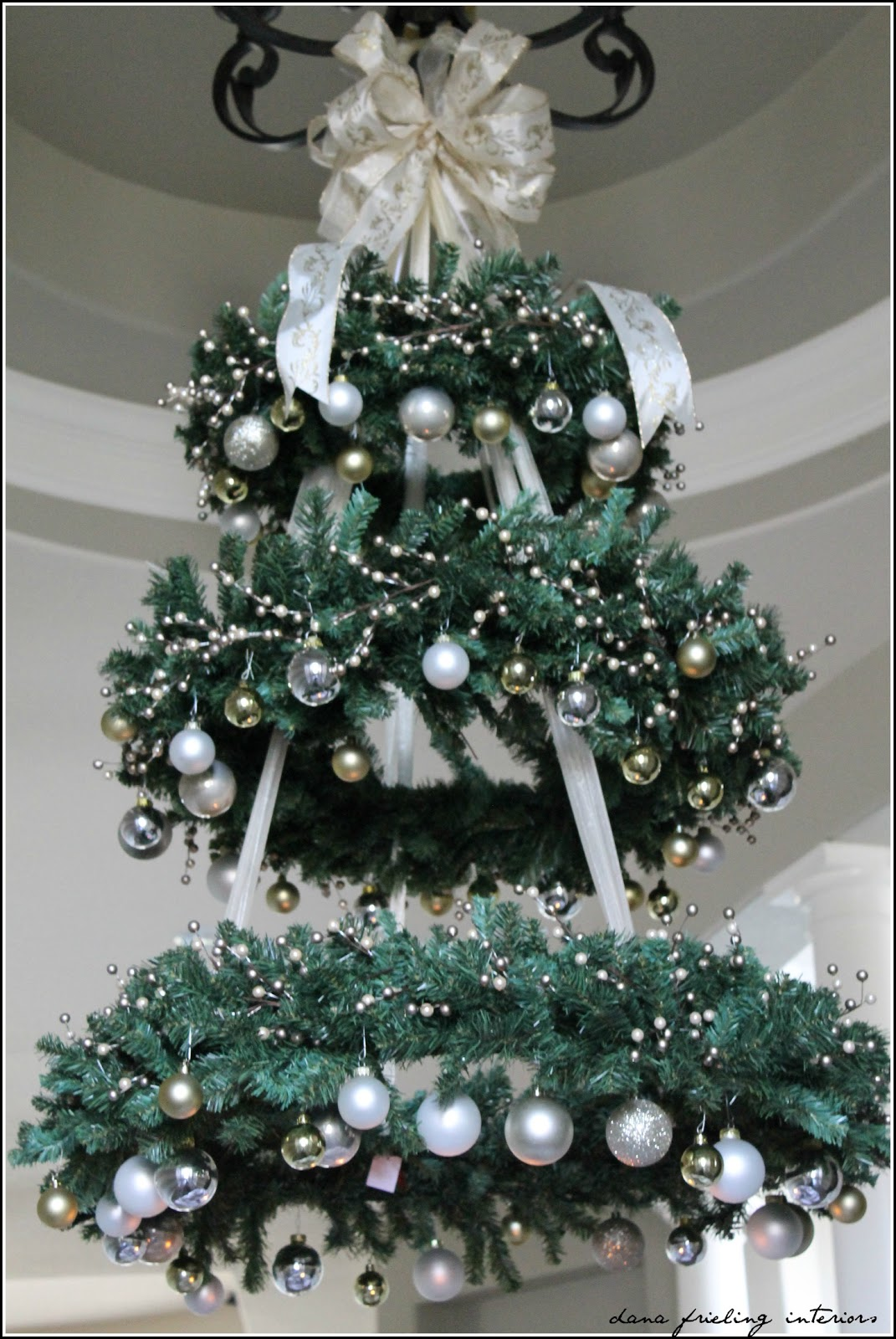 Make them wonder hanging christmas tree How to hang garland on a christmas tree