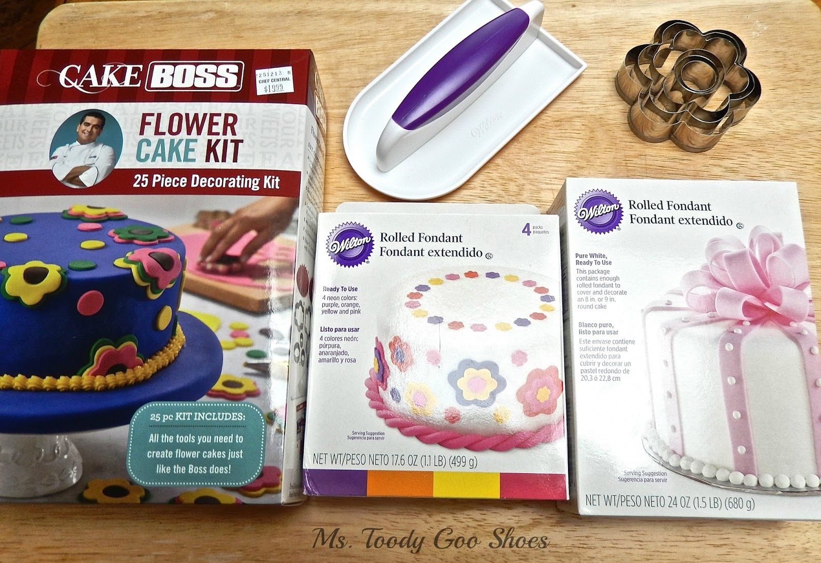 how to put fondant on a cake for beginners