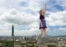 Taylor Swift Giantess Growth