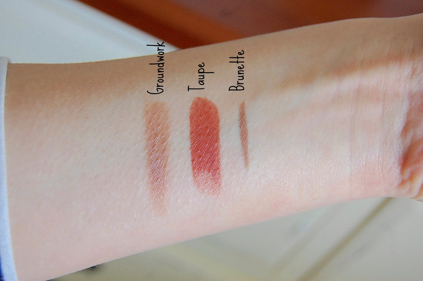 make up, lipstick, mac cosmetics, mac, taupe, groundwork, brunette, eyebrows, review, bbloggers, swatches
