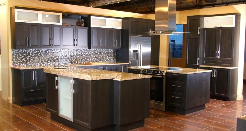 couleur de peinture pour cuisine avec armoire fonc es. Black Bedroom Furniture Sets. Home Design Ideas