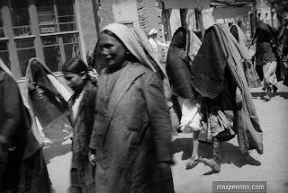 max penson photograph of tashkent women 1920s