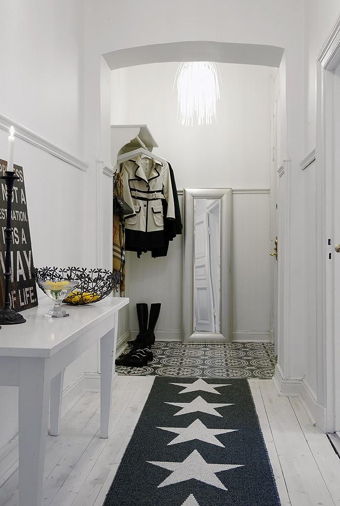 Pavimentos Hallway wallpaper inspiration