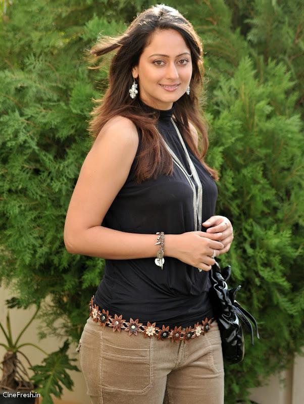 Kaveri Jha Hot Stills Actress Kaveri Jha Cute Photos sexy stills