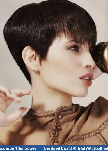 korte kapsels victoria beckham - Victoria Beckhams kapsels Elle