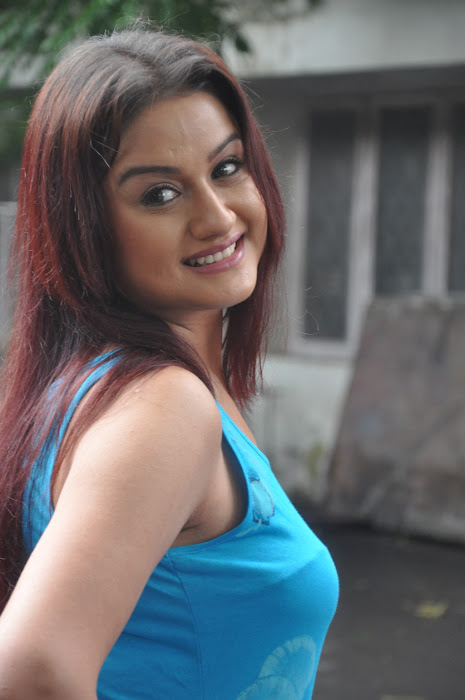 sonia agarwal new spicy photo gallery