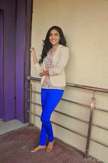 Reetu Varma in Blue Leggings HQ Pics