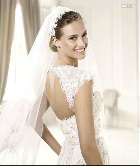 Brautkleider Mode 2013: Oktober 2012