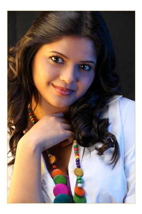 runniya latest photos