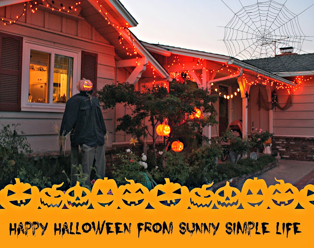 outdoor Halloween decor, Halloween lights